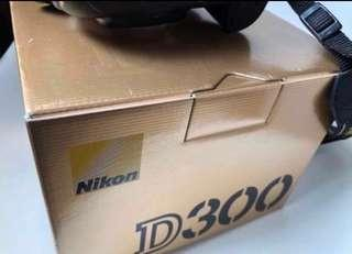 Nikon camera d300  good for blogshop cosplay MAC art supply