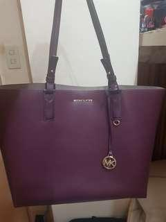Free delivery! Repriced! Michael Kors reversible tote