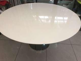 4.5ft marble dining table