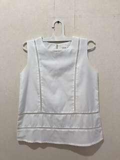 Baju Gaudi Putih