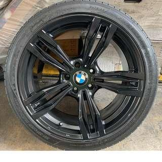 "19"" OEM BMW rims (staggered)"