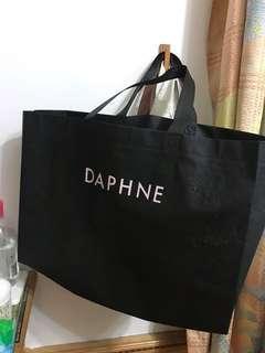 🚚 DAPHNE達芙妮 尼龍袋子 黑色手提