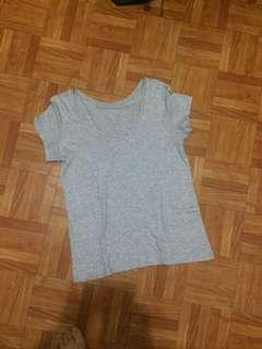 Uniqlo plain t-shirt