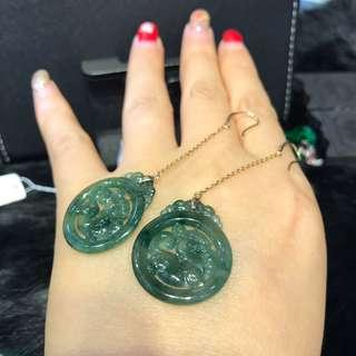 天然翡翠A貨18K金鑲嵌耳環,藍水麒麟,佩戴高貴。