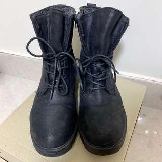 Initial style Army Boots