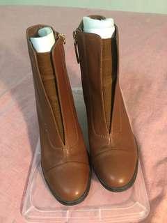 iROO駝色真皮跟靴