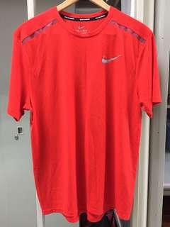 🚚 Nike running短T