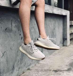 (In Stock) US9 adidas Yeezy Boost 350 v2 Sesame