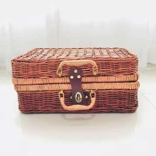 [For Rent] Rattan Picnic Basket