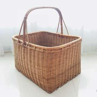 [For Rent] Rattan Large Picnic Basket