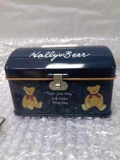 sanrio holly's bear鐵儲金箱