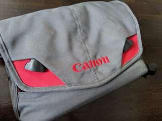 Canon crumpler branded bag in good condition handy and high quality for dslr and equipments