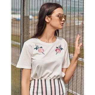 🚚 THE CLOSET LOVER TCL DEE ROSETTE PATCH TEE (L)