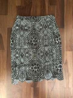🚚 Zara lace skirt