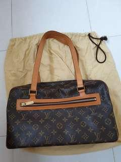 🚚 Louis Vuitton Handbag