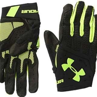 *Brand New* Under Armour Clutch fit renegade Gloves