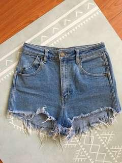 ROLLAS HIGH WAISTED BLUE DENIM HIGHTAILS SHORTS SZ 7 / 25