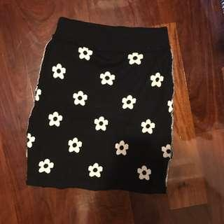 Double sided knit skirt (from Japan) Chanel flowers