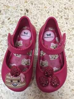 Zaxy Nina sepatu anak Size US 7 - EU 22 pink strawberry pie edition