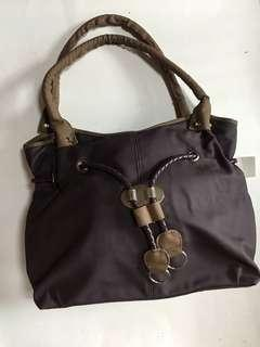Hand Bag free Pouch