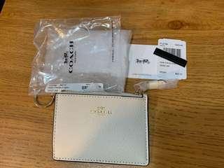🚚 COACH 防刮皮革拉鍊證件零錢鑰匙包F12186 IMCHK白