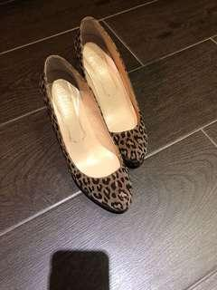 Price reduced: Almost new - leopard print high heel shoes Made in Japan