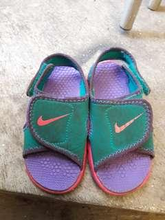 Sandal nike anak
