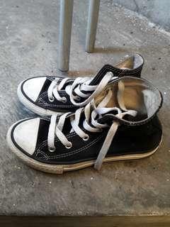 Sepatu converse anak no 30