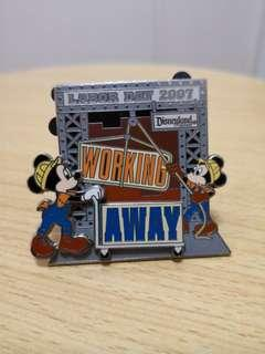 Disney Pins - Limited Edition Moving Mickey