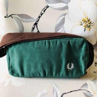 🚚 Emerald Green Sling Bag