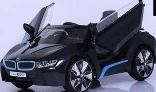 寶馬超跑搖控車 BMW I8 兒童電動車W480QHG原廠授權版 緩啟動雙驅動 高質感皮椅 搖控自駕皆宜 小朋友最愛的禮物 兒童節禮物 生日禮物 electric car ,kid toy #半價良品市集