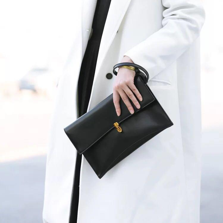 現貨》 Bazaar 韓國百搭復古皮革手拿肩背包