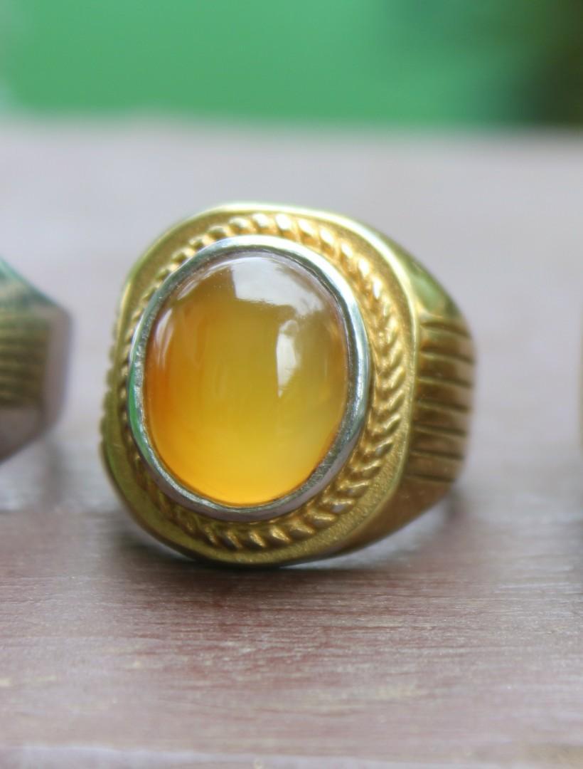 Batu kuning