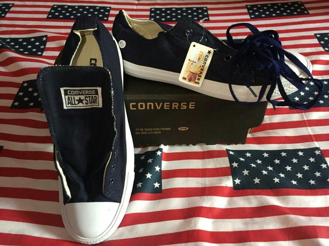 Converse navy