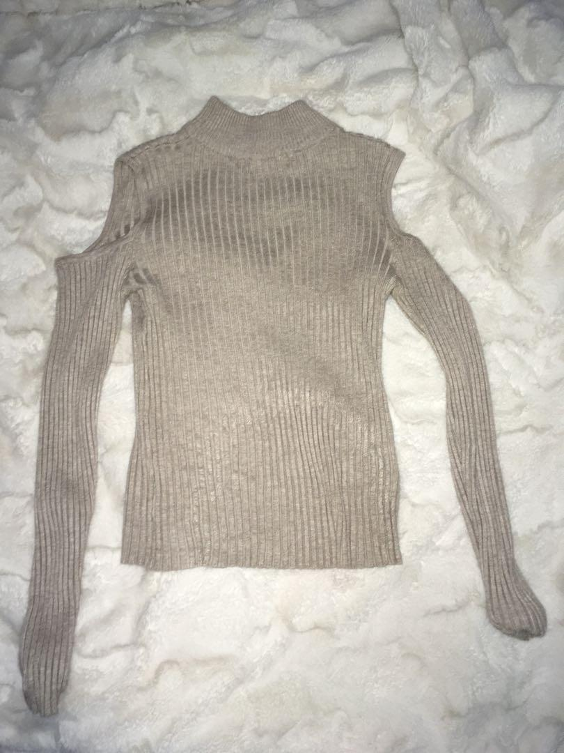 Grey turtle neck cut out shoulders jumper size 8-10 new without tags postage included