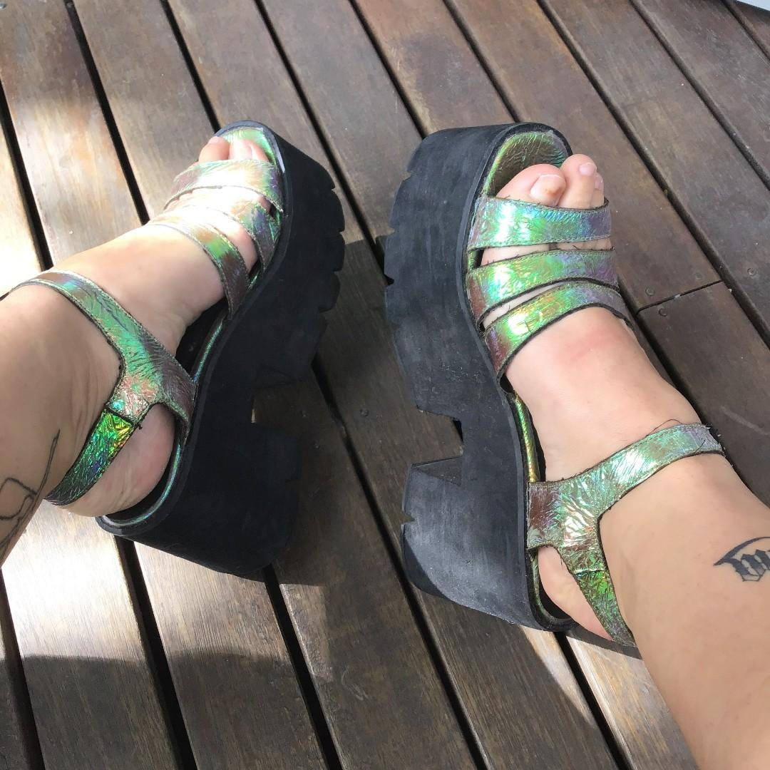 [PRICE DROP] mermaid holographic EXTRA Chunky platform sandals