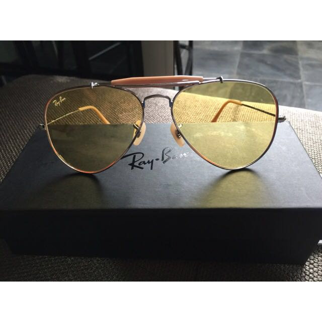 529a7b57c07 New In Box! Ray Ban Ambermatic Limited Edition Aviators