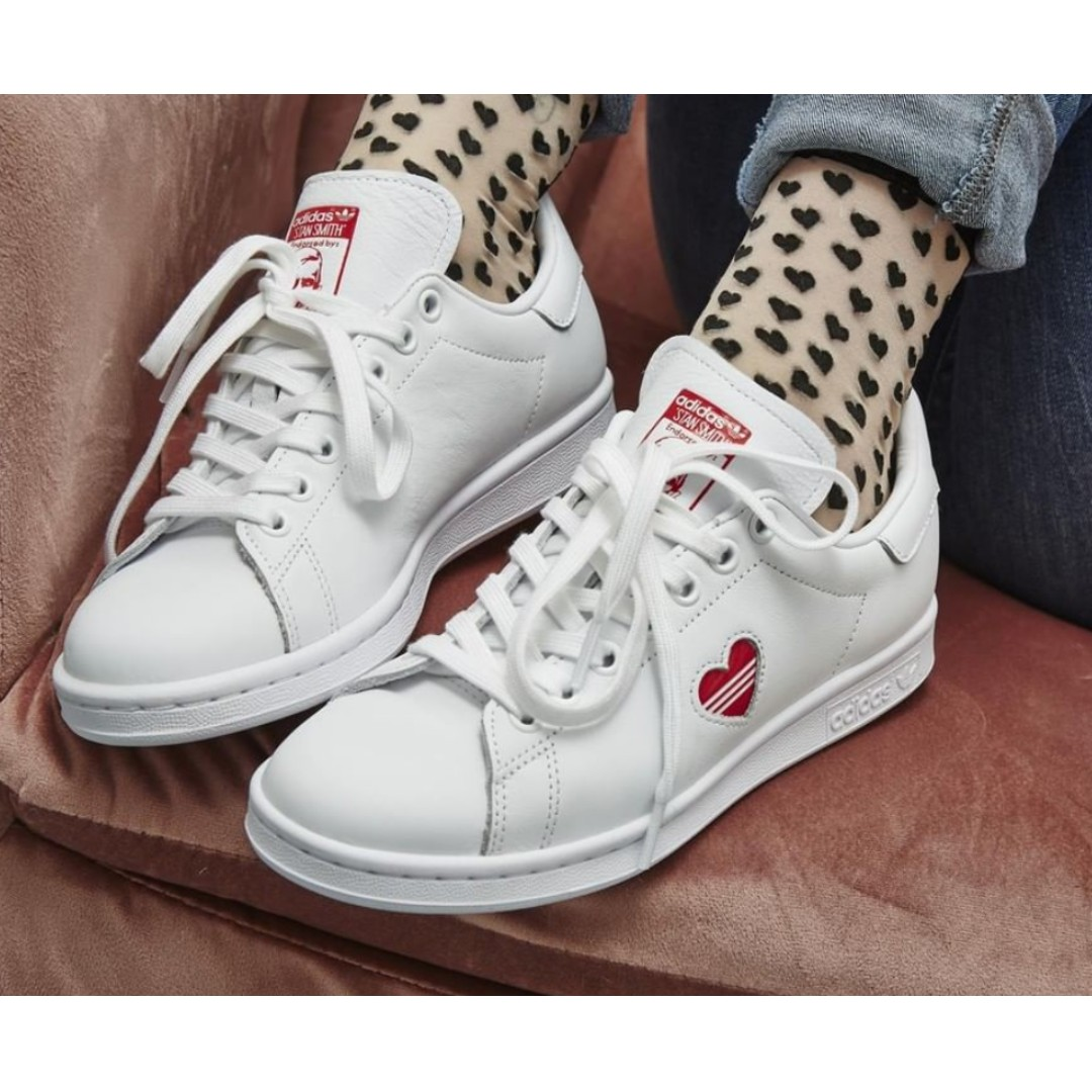new product 117c5 59030 [UK 8] Adidas Stan Smith Valentines
