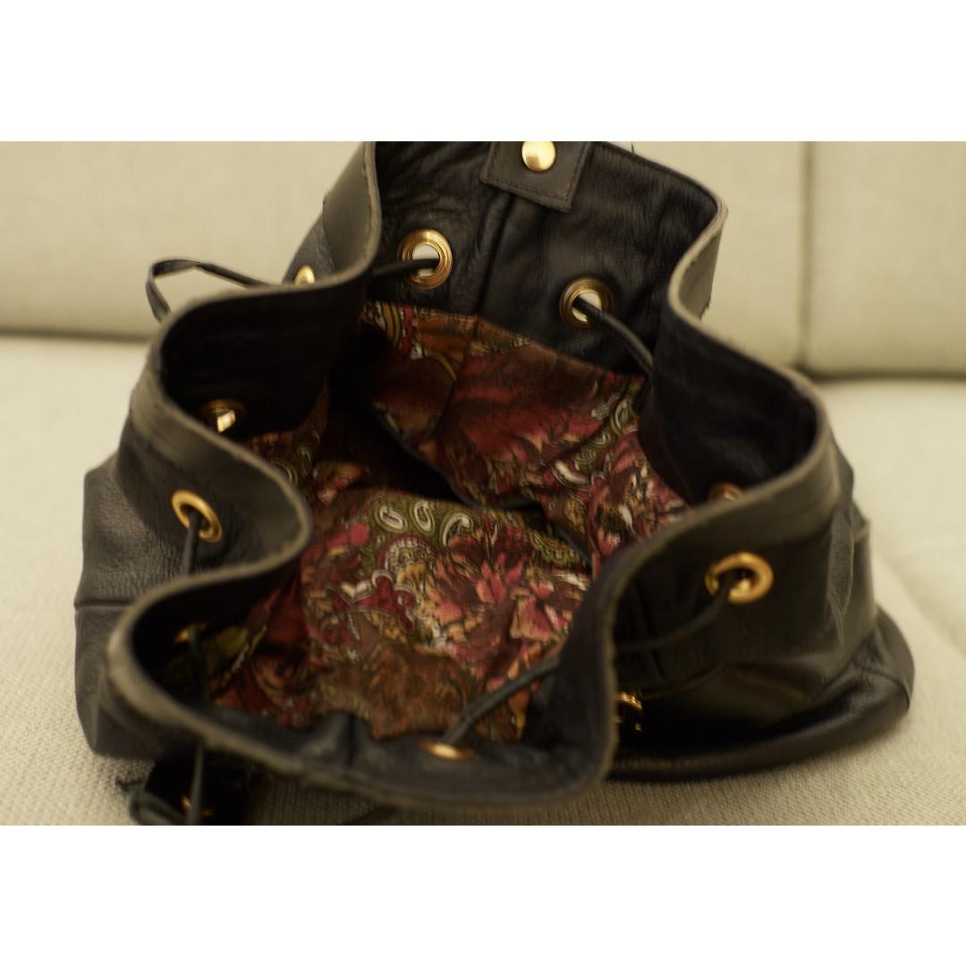 9b70da5af76 Vintage Black Bucket Duffle Drawstring Bag, Women's Fashion, Bags &  Wallets, Sling Bags on Carousell