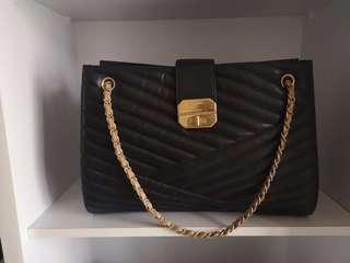 🚚 DEAL TODAY $2250! Full Set BN Chanel Chevron Tote