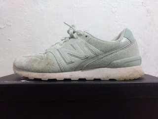 New Balance 996 size 8-8.5 womens shoes