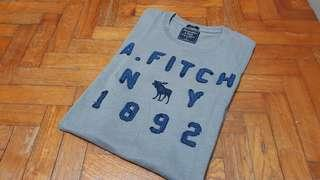 🚚 Authentic Abercrombie & Fitch Tshirt