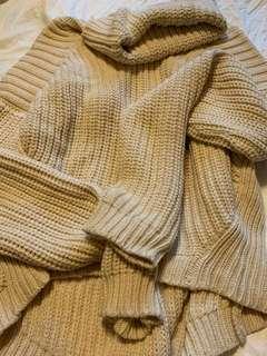 🚚 超厚米色粗針毛衣