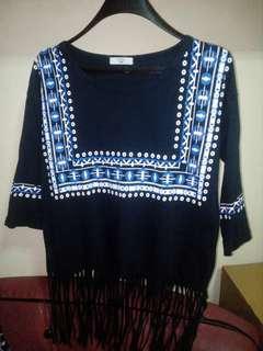 Tribal top