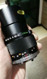 Olympus OM zuiko lens 135mm f3.5.