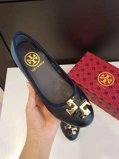 New Arrival Tory Burch Wedges. (NEGO TIPIS - NEW)