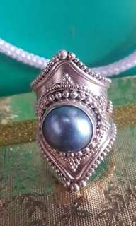 VINTAGE RING WITH PEARL