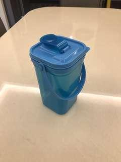 1.5L water container