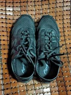 🚚 [40號]女生休閒鞋,輕巧沒負擔,二手極新!