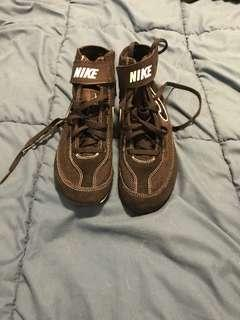 Nike wrestling shoes-4Y-New